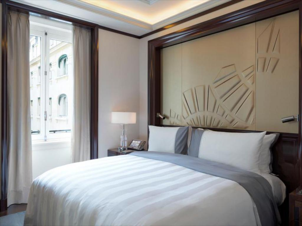 Superior Double Room The Peninsula Paris