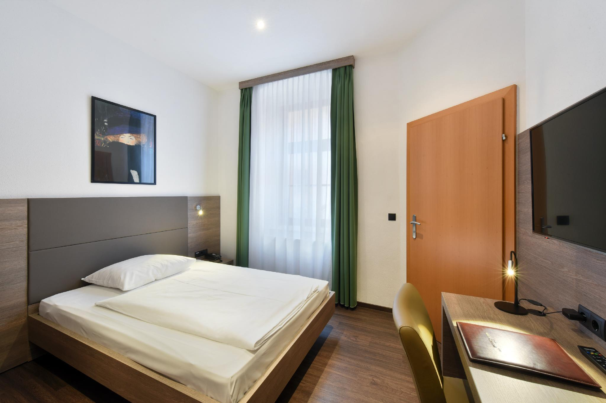 See all 35 photos Hotel Lucia Best