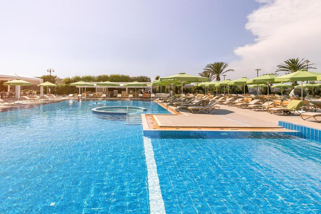 Swimming pool [outdoor] Divani Apollon Palace & Thalasso
