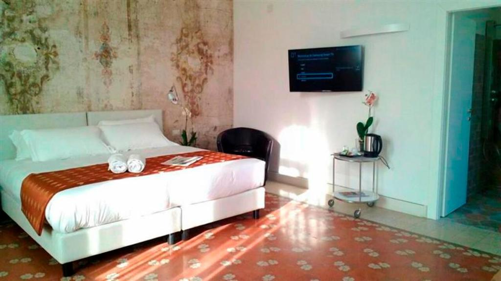Best price on suites farnese design hotel in rome reviews for Top design hotels rome