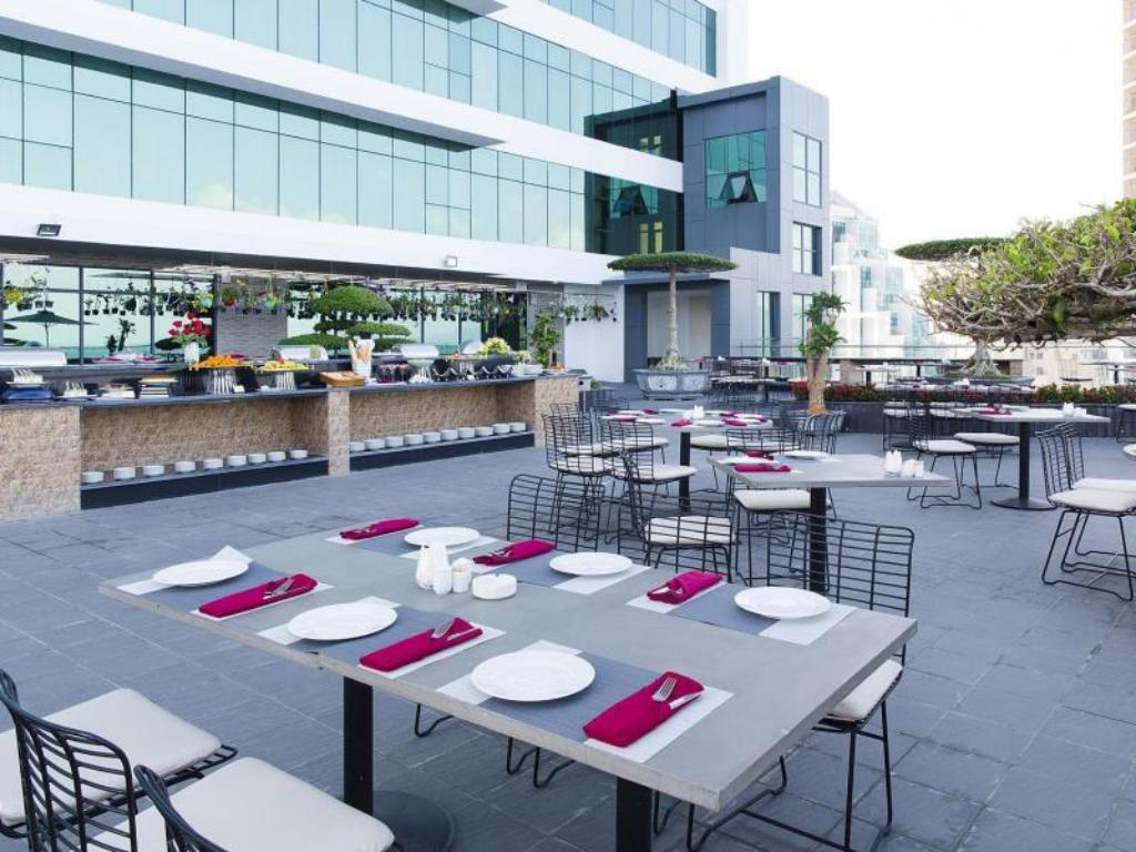Cafeteria Beach Front Apartments Nha Trang