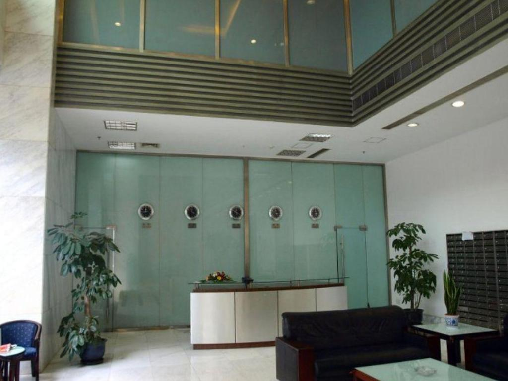 Hol World Union Service Apartment