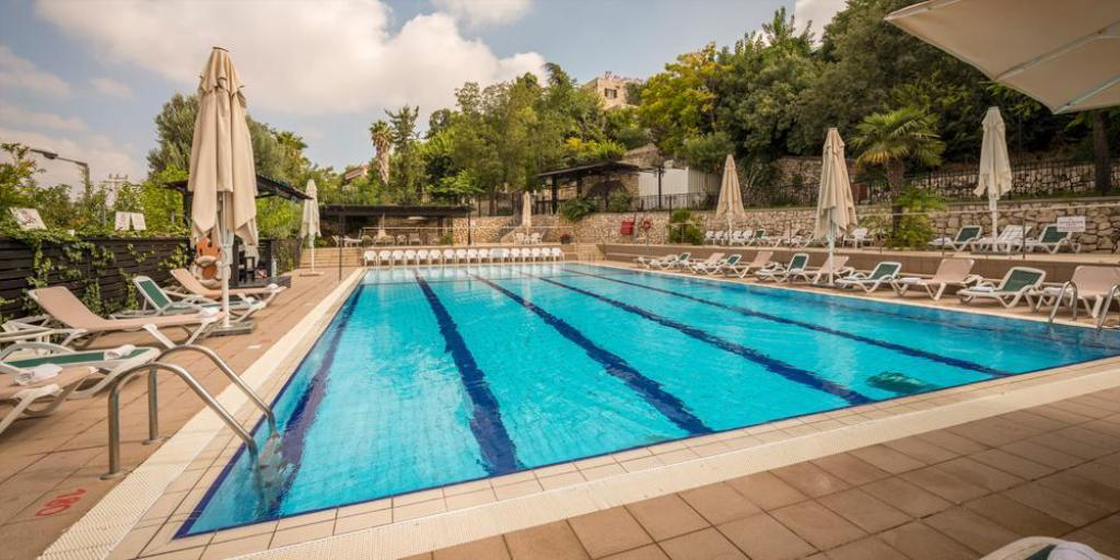 Ruth rimonim hotel safed in israel room deals photos reviews for Hotels in jerusalem with swimming pool