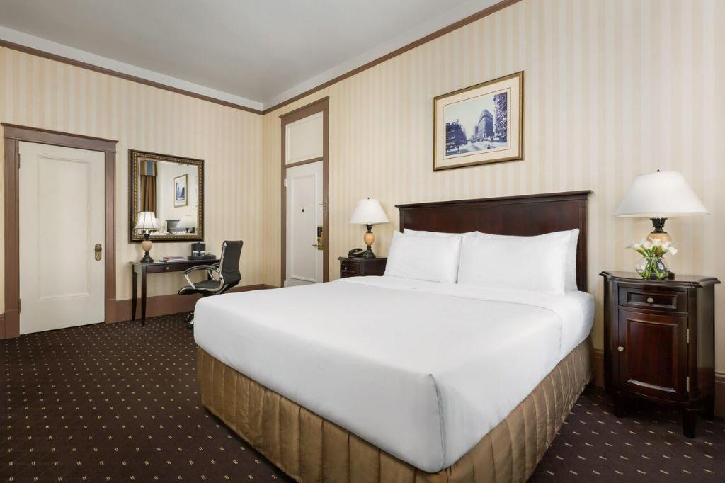 Standard King Room - Bed Hotel Whitcomb