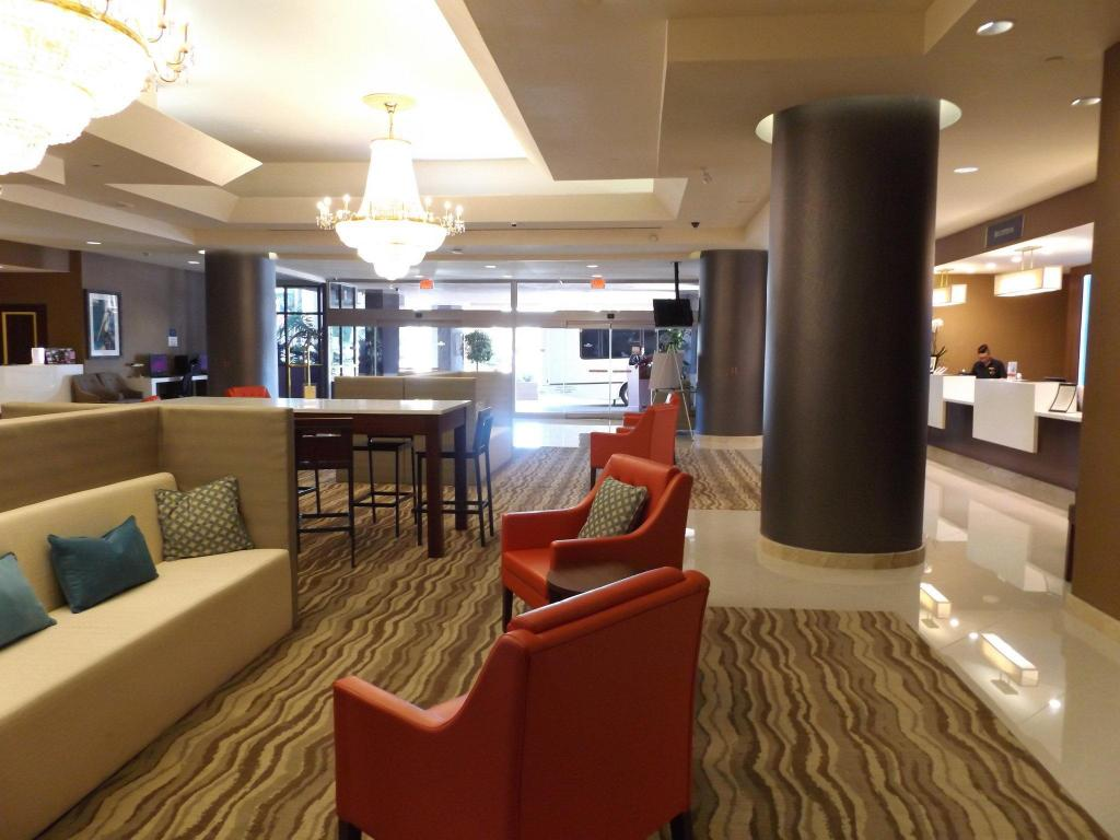 Lobby Crowne Plaza Hotel Los Angeles Harbor