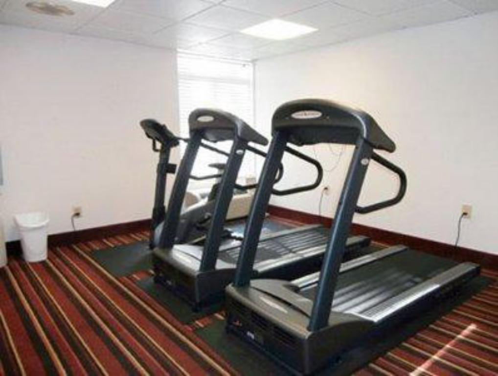 Fitness center Quality Inn At Kingsmill - Busch Gardens Area