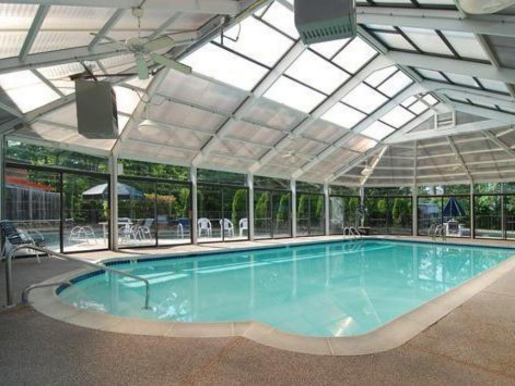 Swimming pool Quality Inn At Kingsmill - Busch Gardens Area