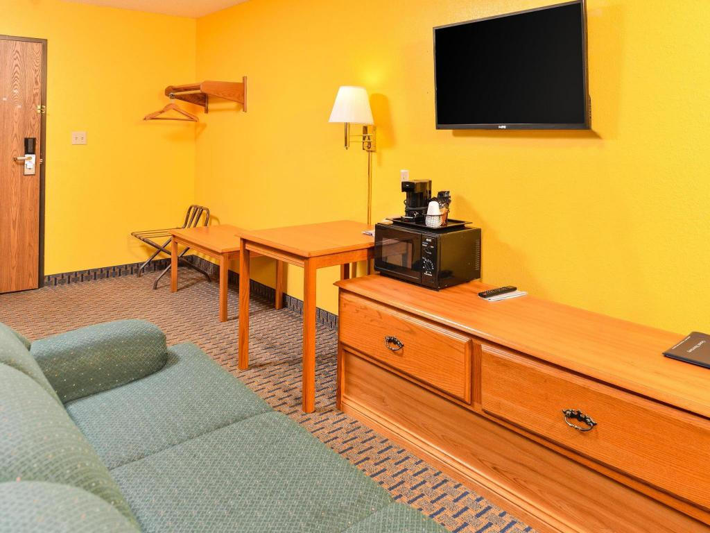 Americas Best Value Inn Hibbing Best Price On Americas Best Value Inn V2158 In Hibbing Mn Reviews