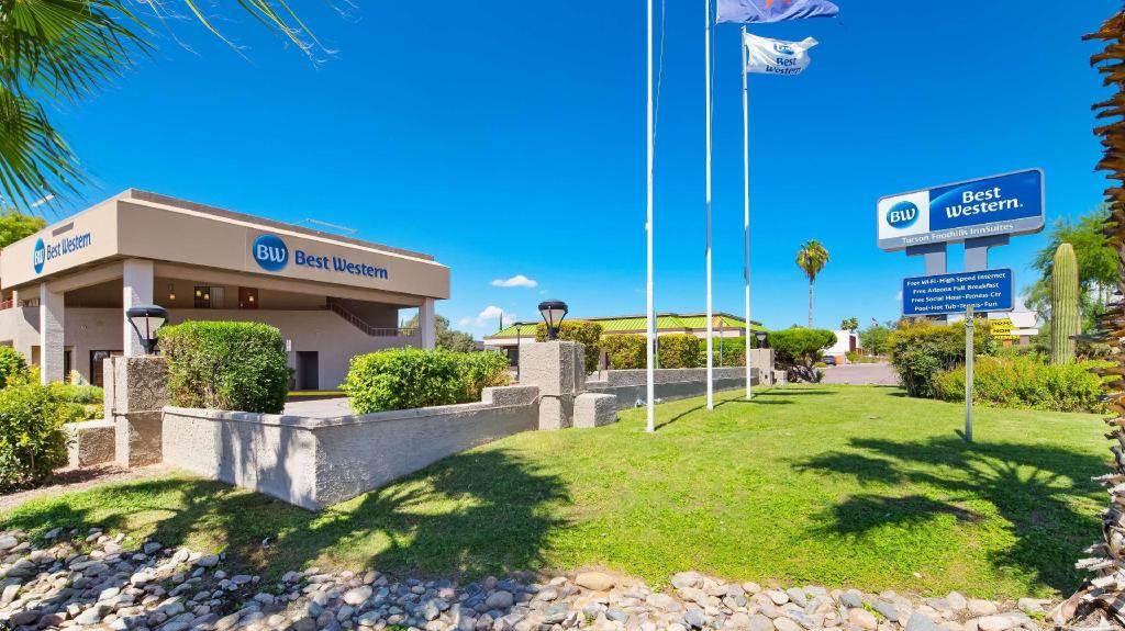 Best Western InnSuites Tucson Foothills Hotel and Suites, Casas Adobes, Tucson (AZ) - Room Deals ...