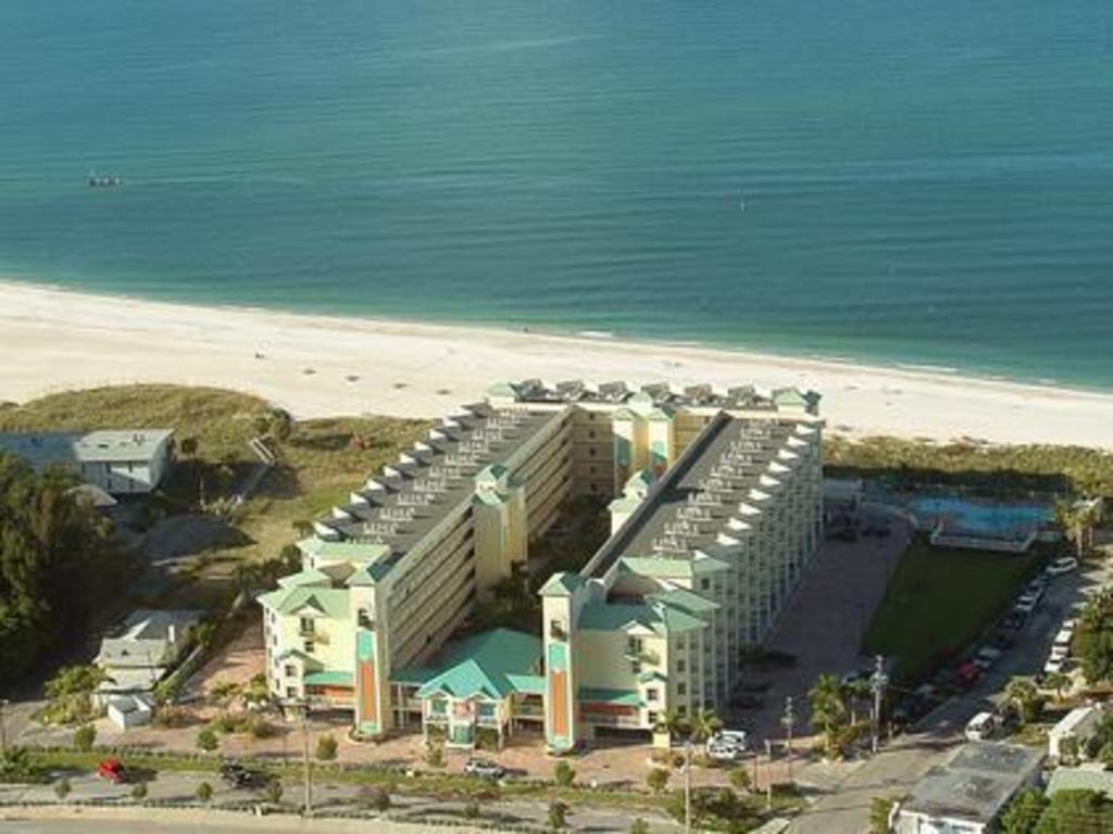 Best Price on Sunset Vistas Two Bedroom Beachfront Suites