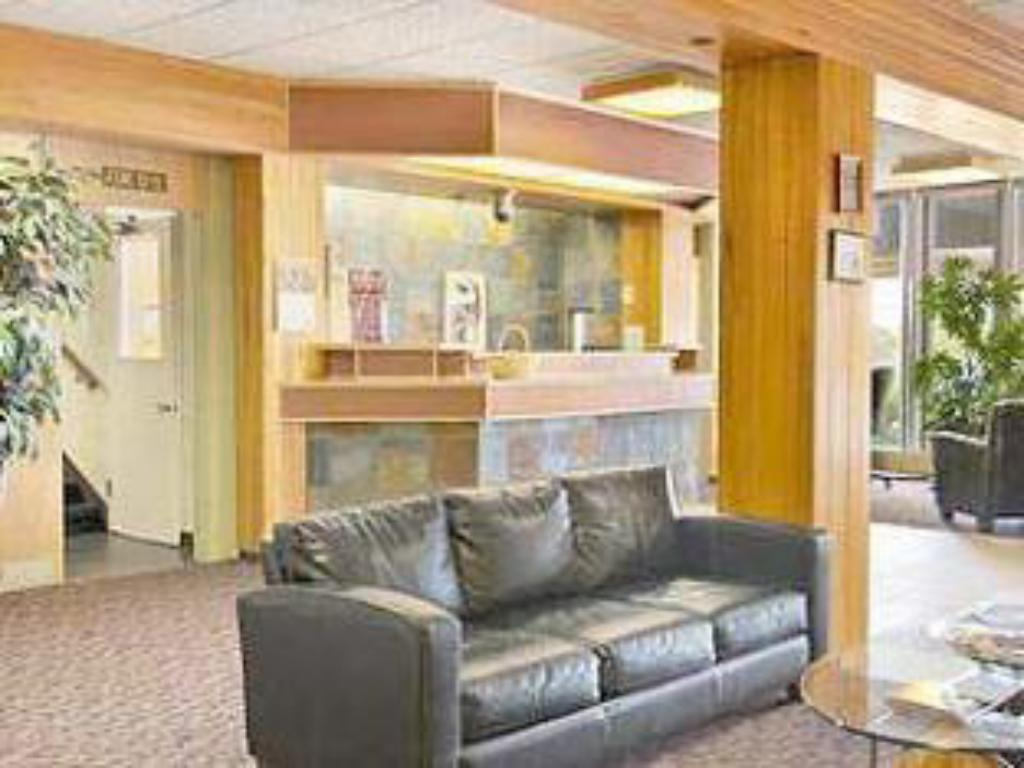 Lobby Holiday Inn Express - Sault Ste. Marie