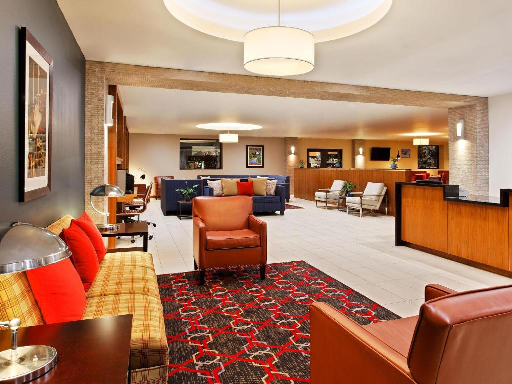 Lobby Four Points by Sheraton College Station