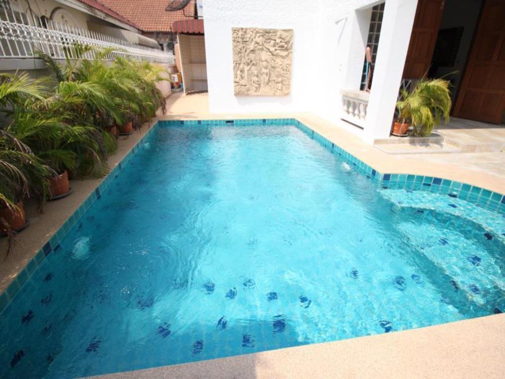 Naklua Pool Villa by Pattaya Sunny Rentals in Thailand - Room Deals ...