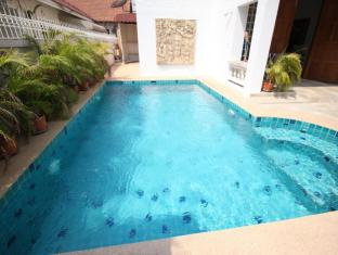 Naklua Pool Villa by Pattaya Sunny Rentals