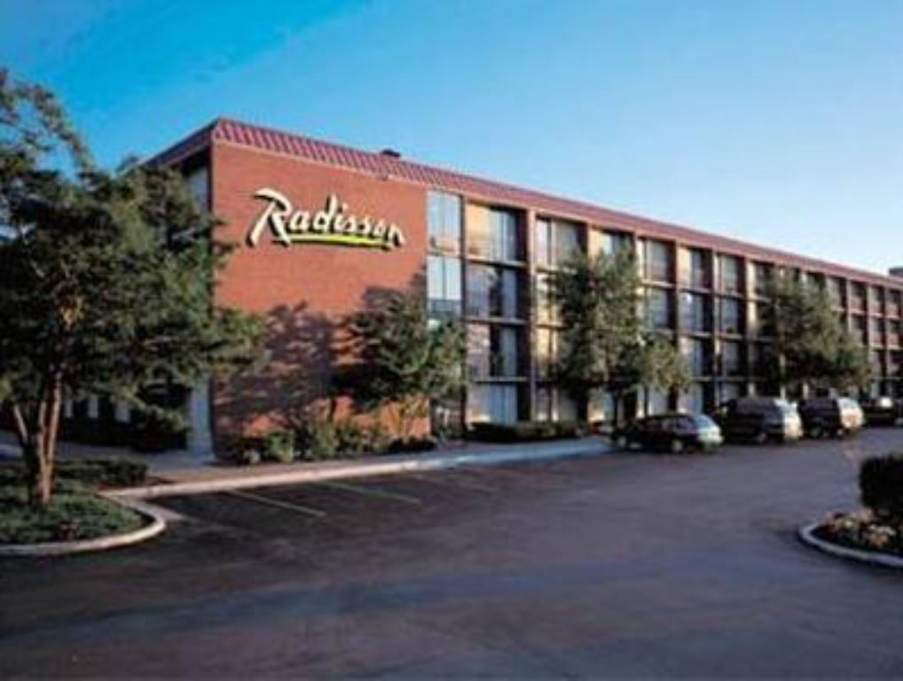 More about Radisson Hotel Rochester Airport
