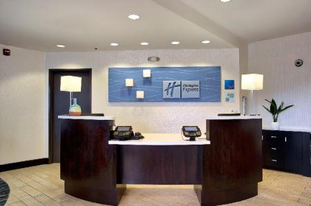 Лобби Holiday Inn Express Costa Mesa