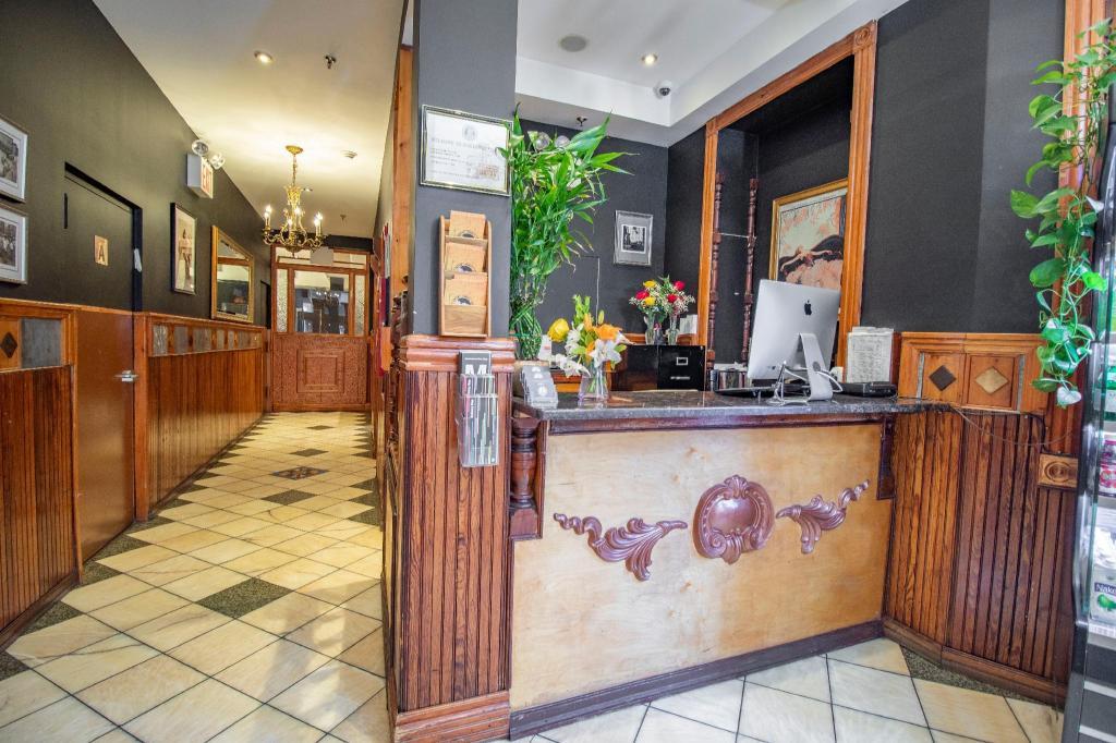 Blue Moon Hotel in New York (NY) - Room Deals, Photos & Reviews