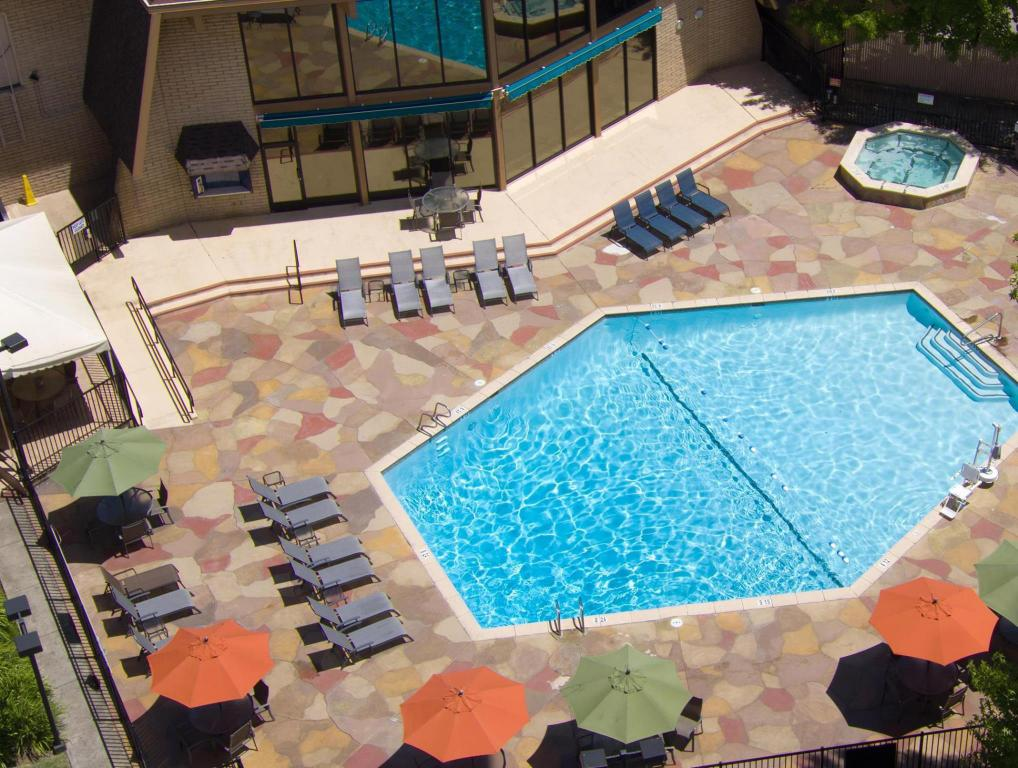 Piscina externa Red Lion Hotel Redding