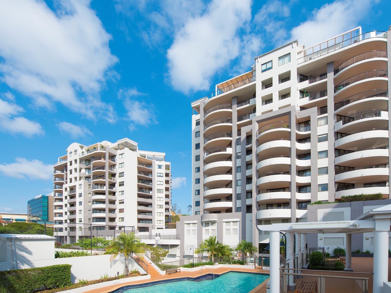 Elegant The Oasis Apartments