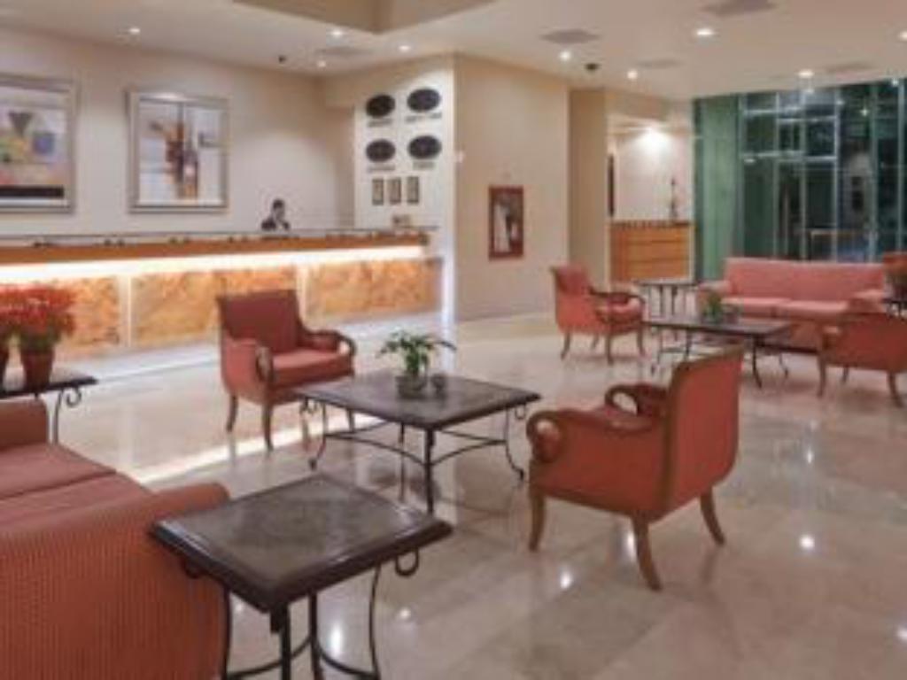 Лоби Crowne Plaza Torreon