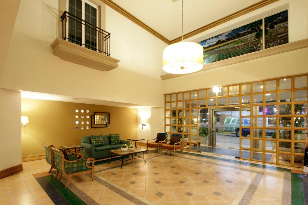 Lobby Holiday Inn Express Torreon
