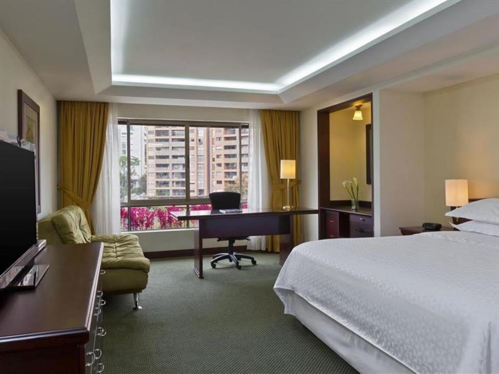 Junior Suite Four Points by Sheraton Medellin