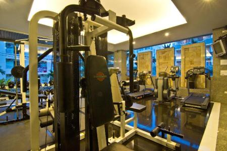 Fitness center LK Royal Suite Hotel