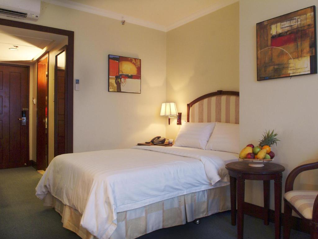 Superior - Guestroom Cebu Parklane International Hotel