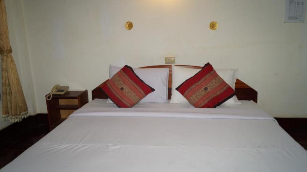 Standard Double Room - Bed Champa Residence Hotel