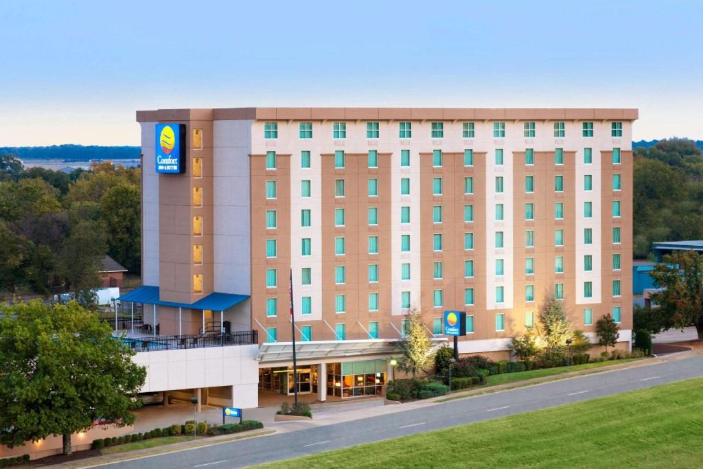 Comfort Inn & Suites Presidential (Comfort Inn and Suites Presidential Little Rock)