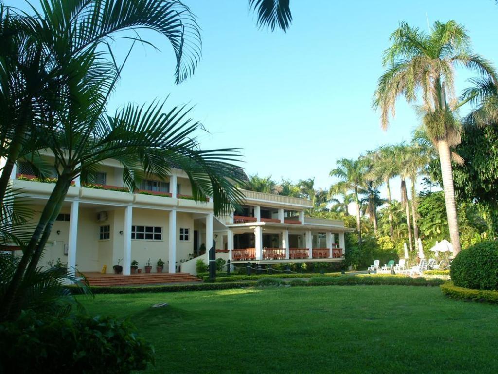 More About Bedarra Beach Inn