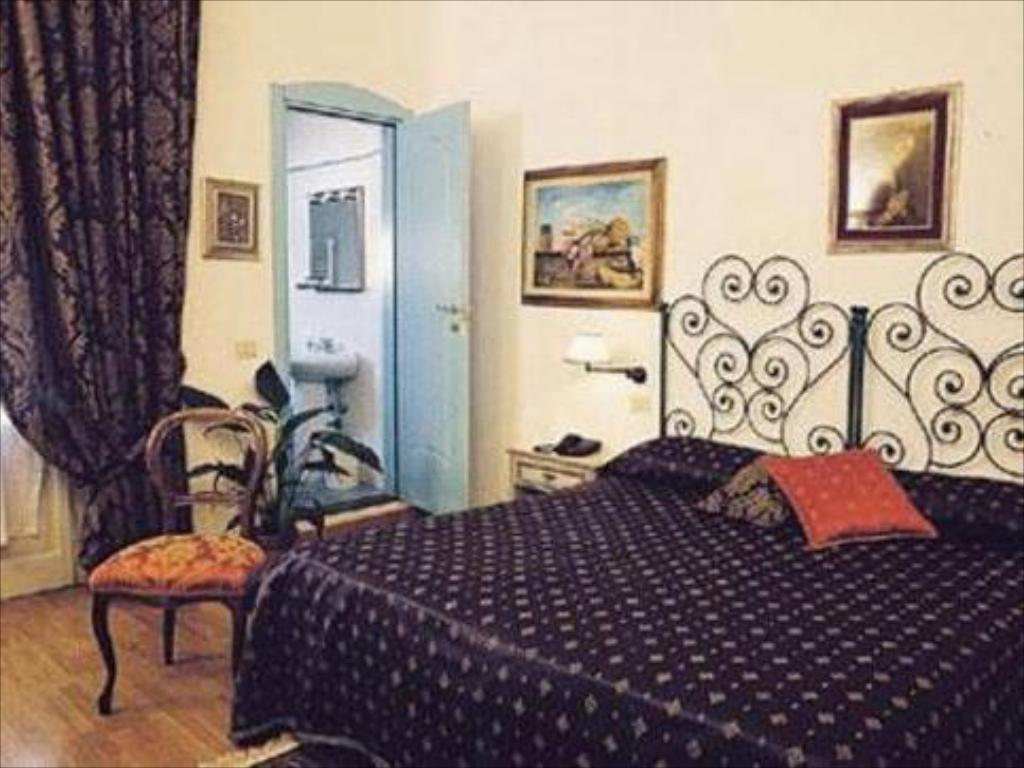 Best Price on Soggiorno Sogna Firenze in Florence + Reviews!