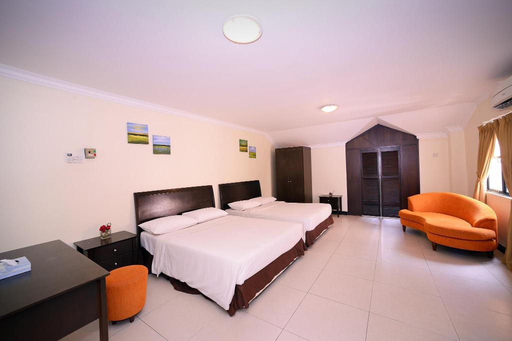 Duplex Suite - Splash Out Tickets for 7 Adults Included - Plan cameră