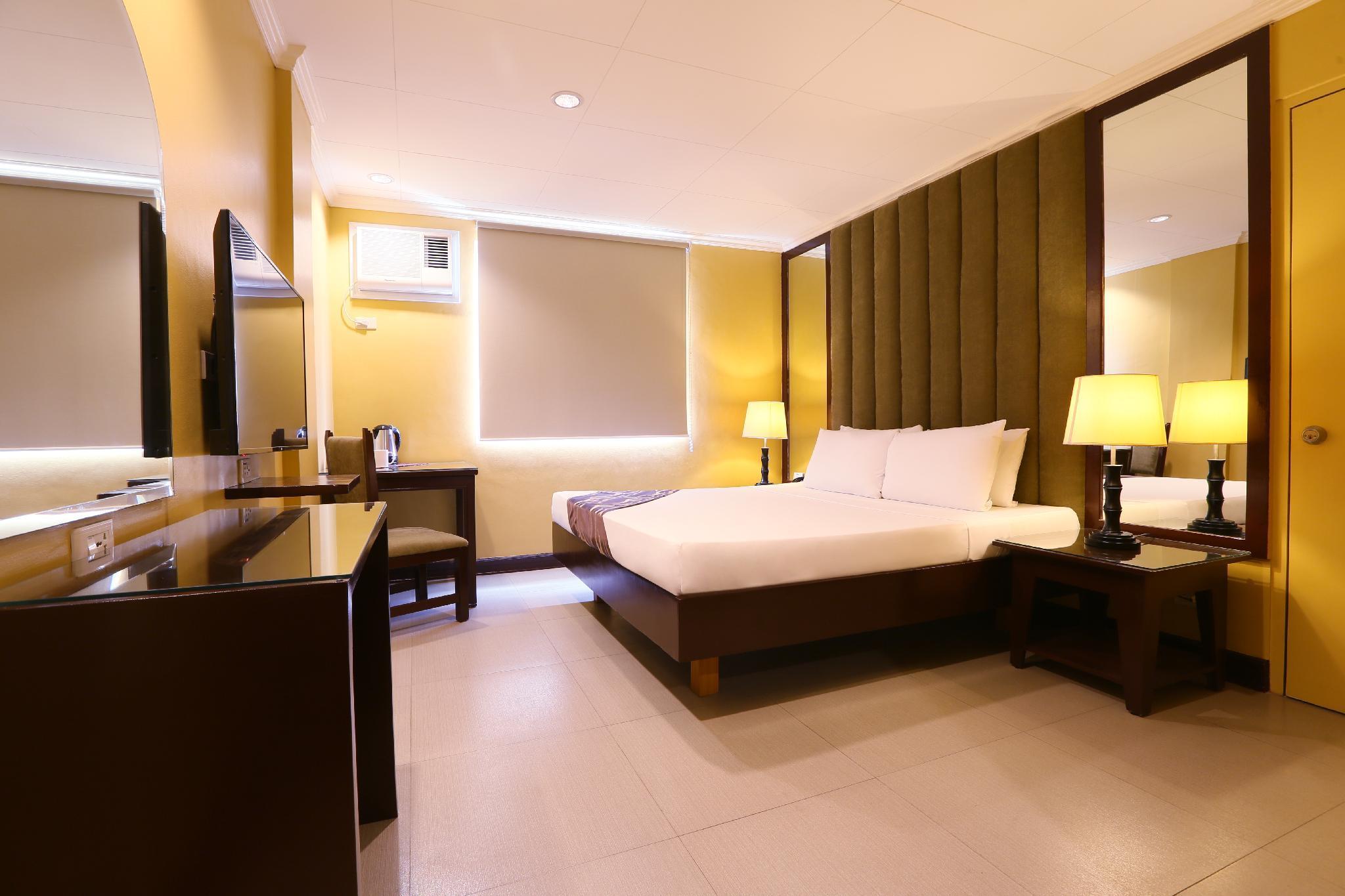 Hotel La Corona de Lipa in Batangas - Room Deals, Photos