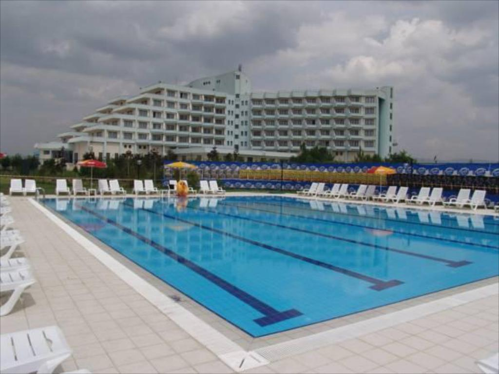 Piscina Buyuk Anadolu Thermal Hotel