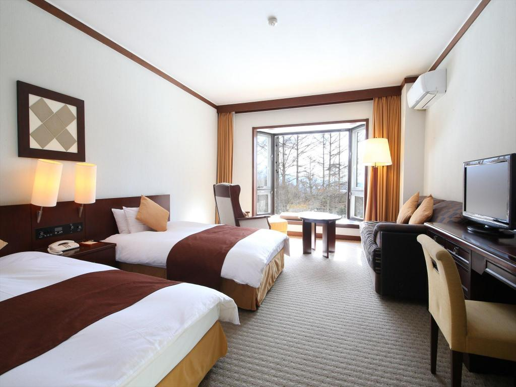 Twin Room with Garden View Tateshina Tokyu Hotel