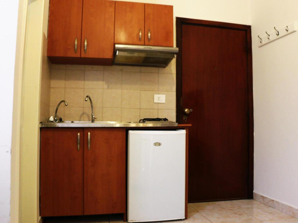 Studio Apartment - Kitchen Bil Residence