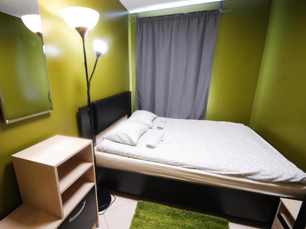 Double Room - Bed Landmark City Hostel