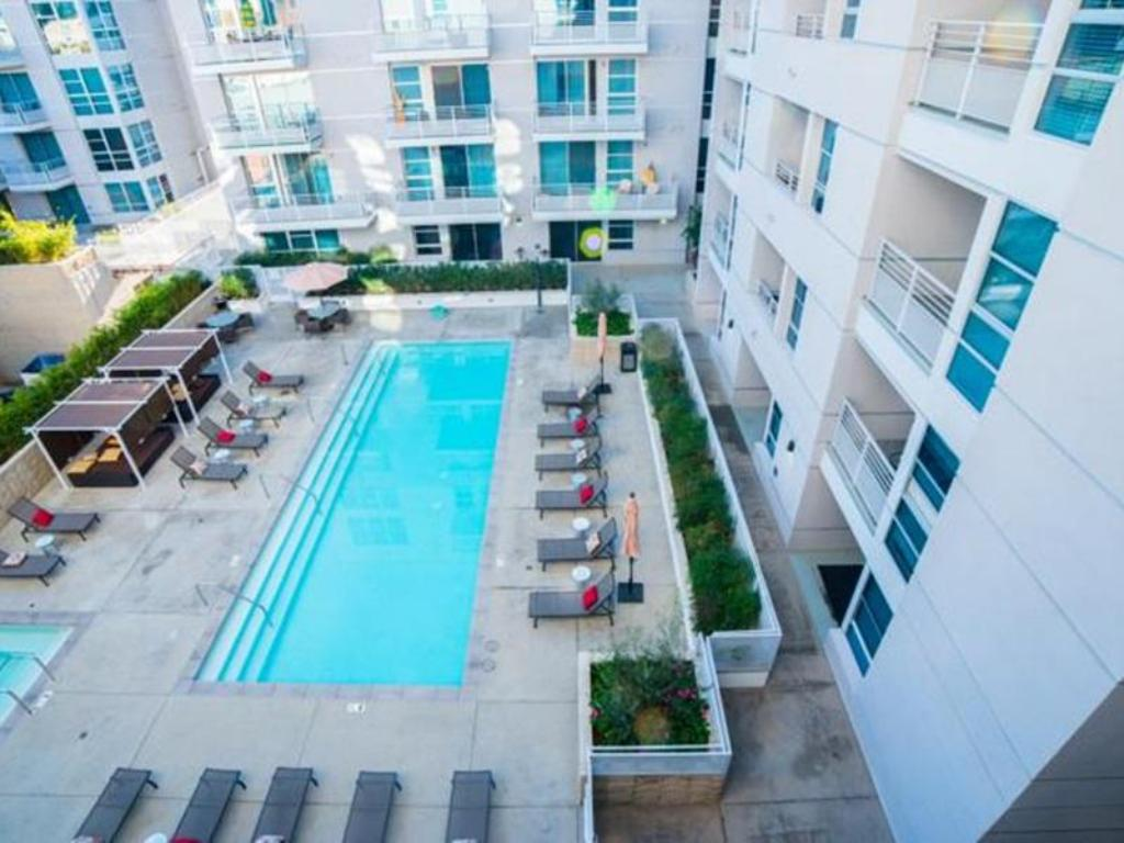 Swimming pool Downtown Penelope Apartment