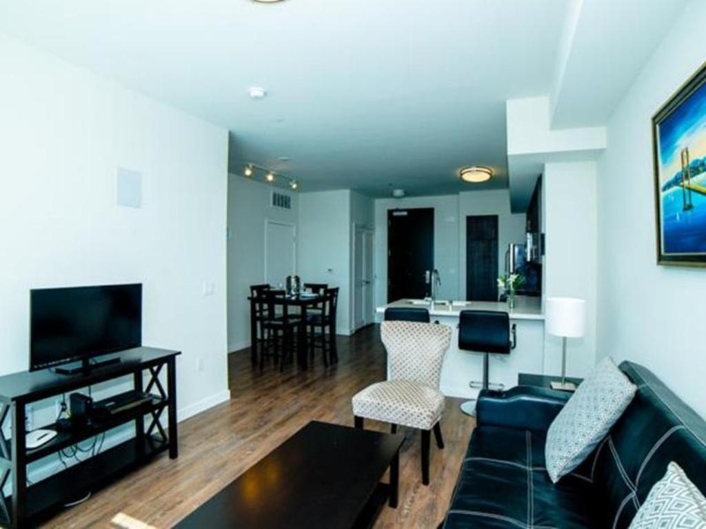 One Bedroom Apartment - Guestroom Downtown Fidelio Apartment