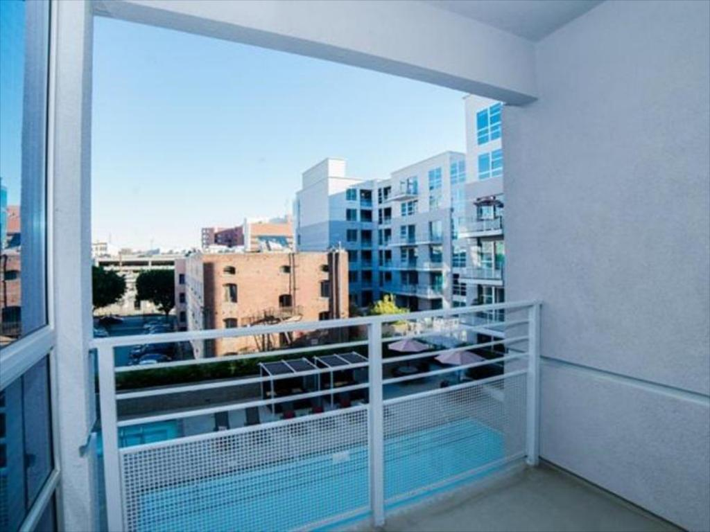 Best Price on Downtown Venus Apartment in Los Angeles (CA) + Reviews!