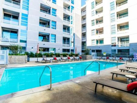 Swimming pool Downtown Cupid Apartment