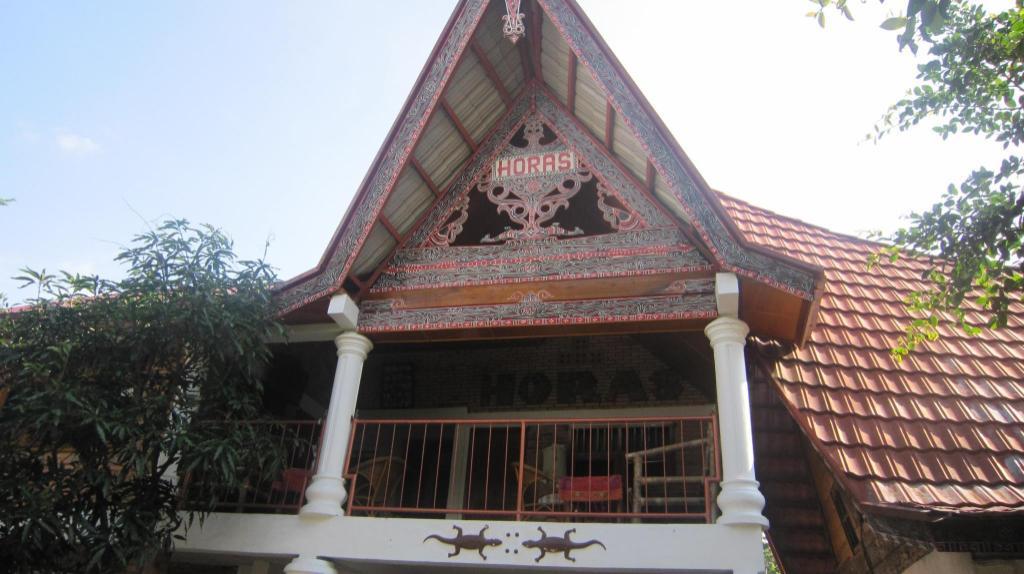 Horas Family Home Samosir