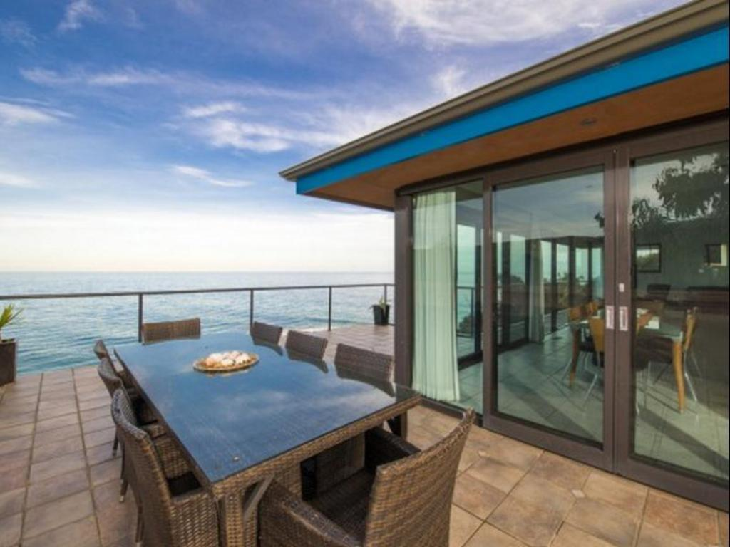 Top Deck Holiday Home