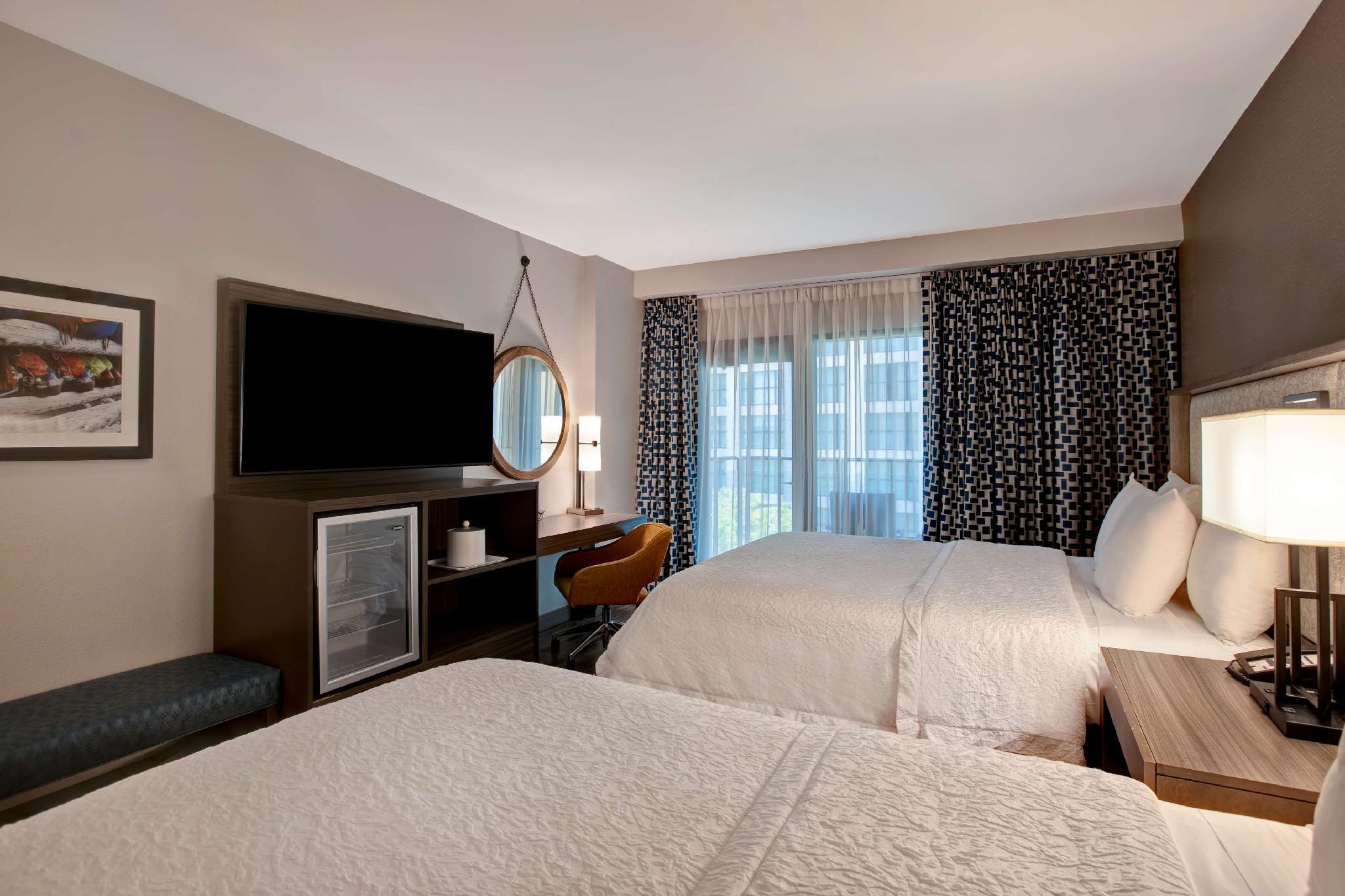 Hampton Inn Suites San Antonio Riverwalk Hotel San Antonio Tx Deals Photos Reviews