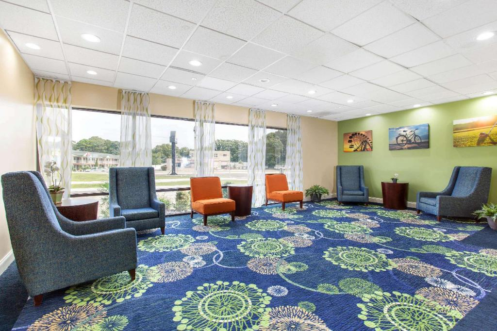 Lobby Days Inn by Wyndham Absecon Atlantic City Area