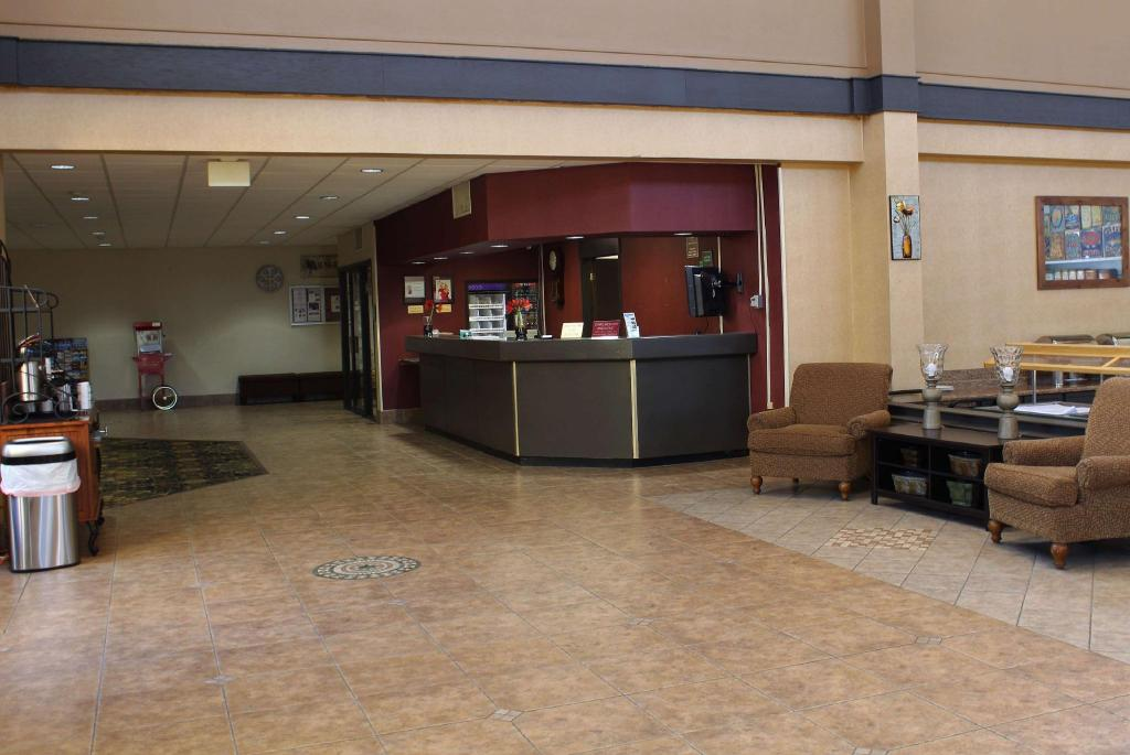 Lobby Ramada by Wyndham North Platte