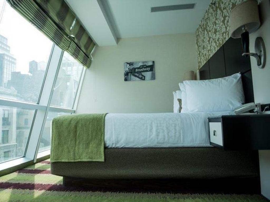 Standard King Room Guestroom Best Western Premier Herald Square