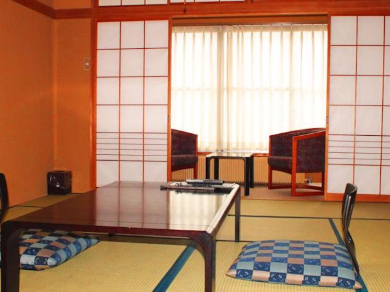 Japanese Style Twin Room With Shared Bath