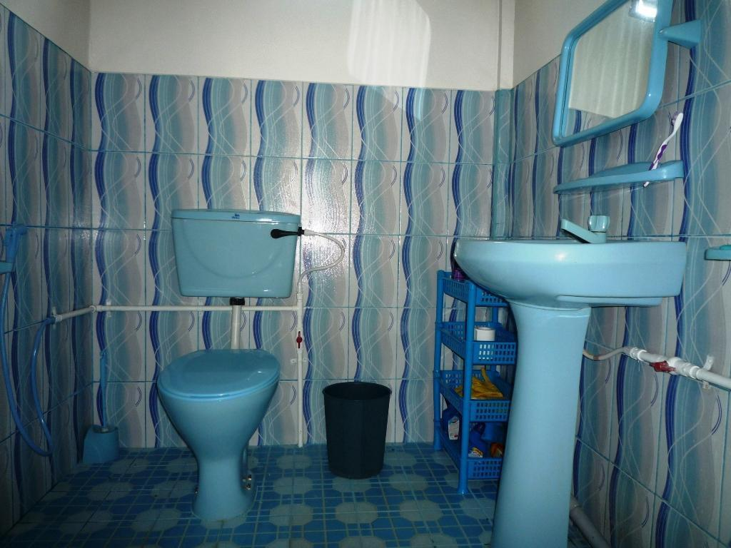 Bathroom Nilaveli Beach Hostel